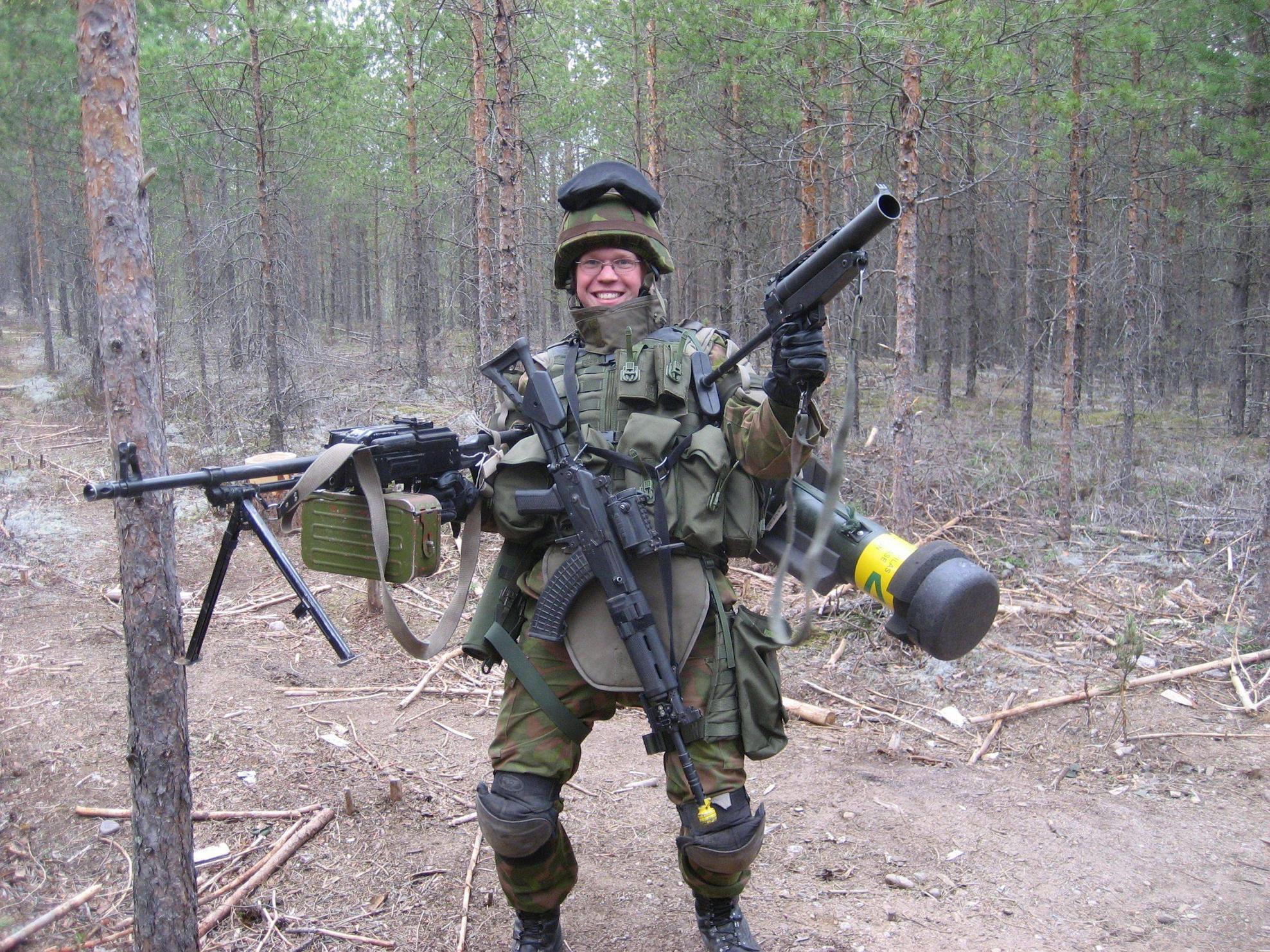 Солдаты в мужском туалете 7 фотография