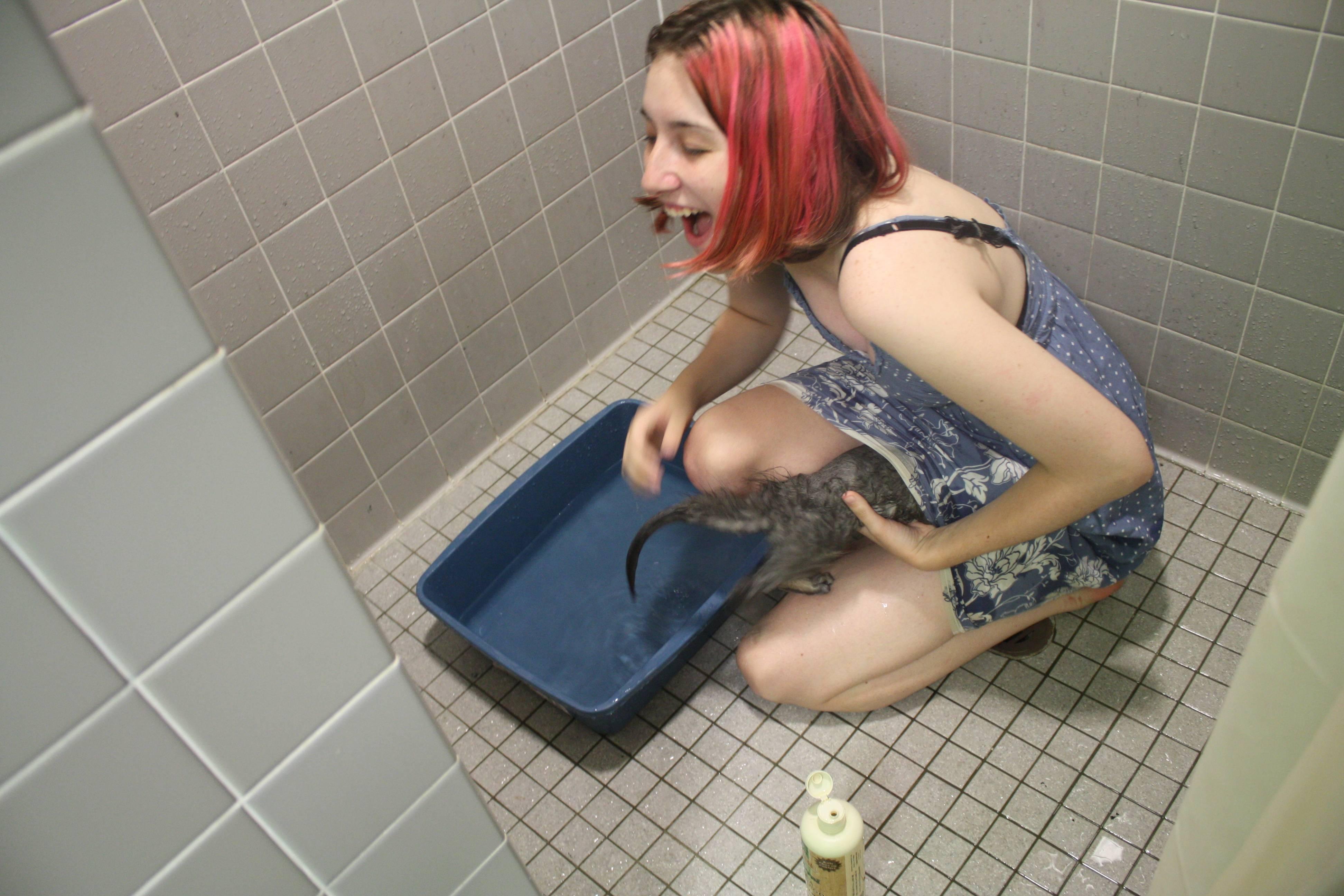 Фото парней и девушек в туалете 9 фотография