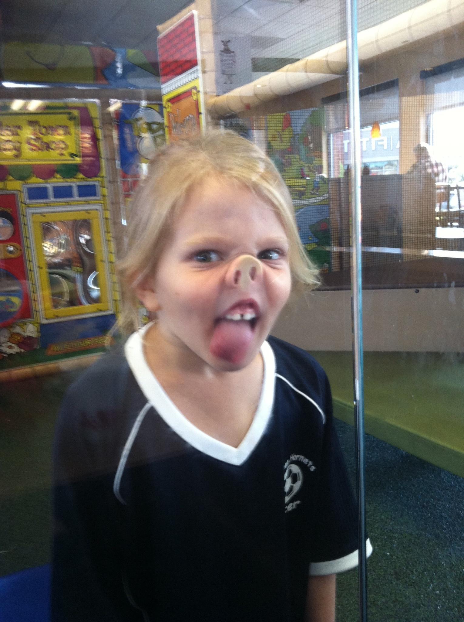 Смешное фото на аву девочка