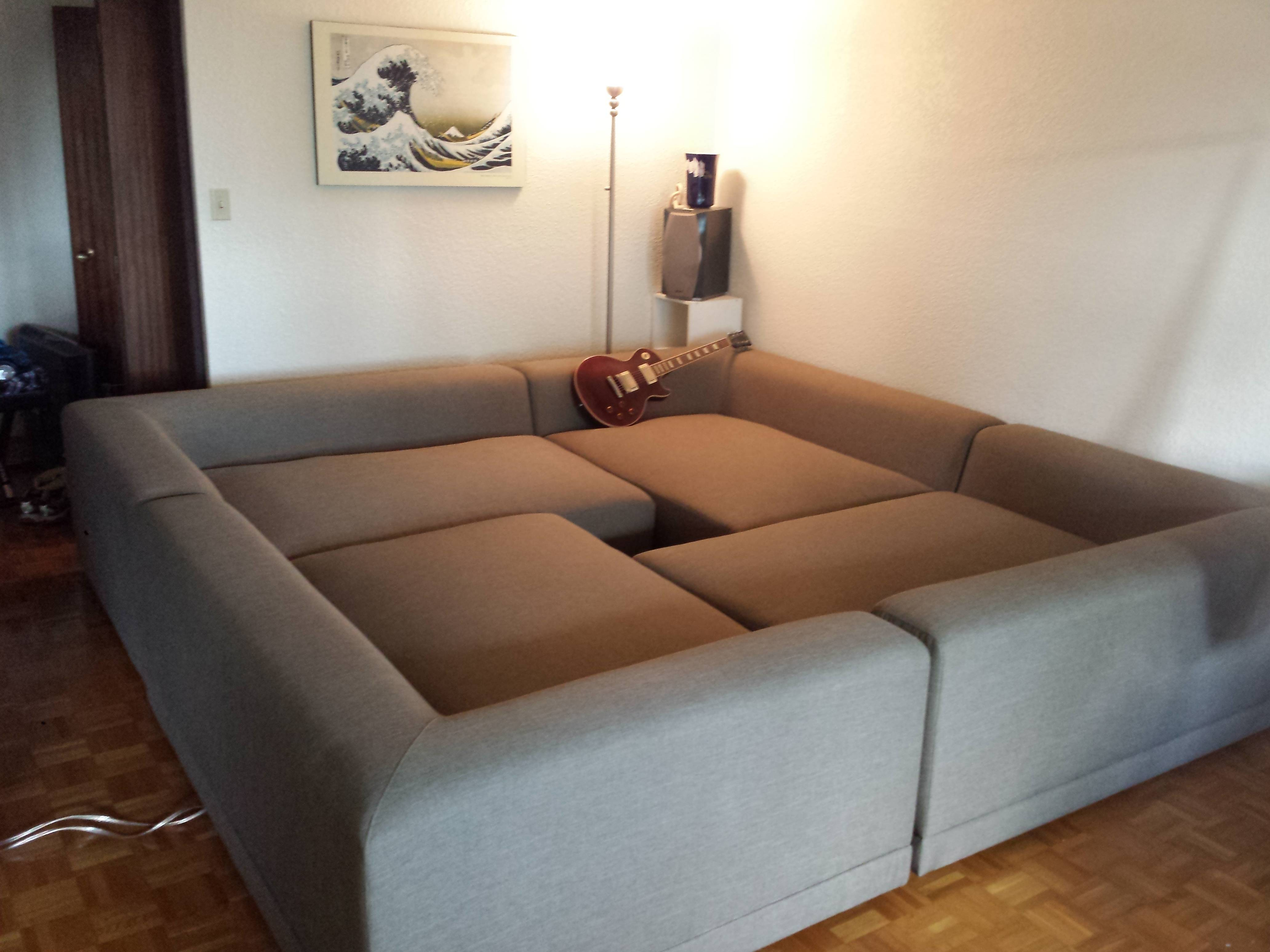 Yarr Pit Couch of Awesome
